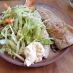 mat färsk stekt makrill sallad