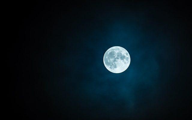 Påverkas vi av månen? Och hur är det med fullmåne?